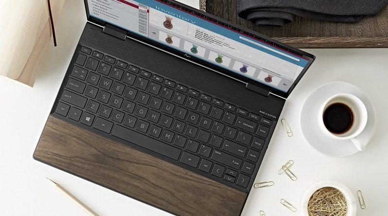 HP introduce madera natural en la serie Envy